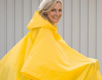 Maxi poncho impermeabile giallo #dmail