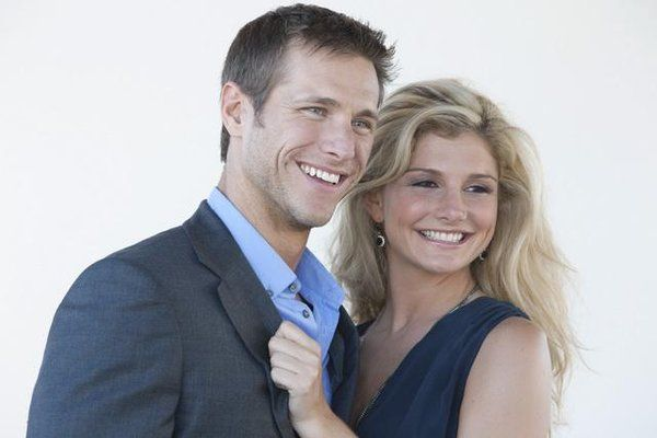 """Ashleigh Hunt from """"The Bachelor"""" is one of the women vying for the affection of Jake Pavelka on Season 14 of the ABC reality dating competition. Description from vebidoo.com. I searched for this on bing.com/images"""