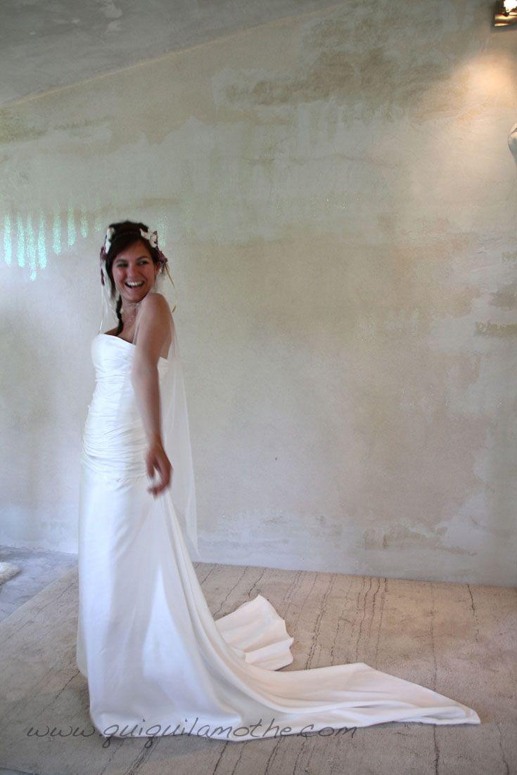 robe de mari e simple romantique robes de mari es. Black Bedroom Furniture Sets. Home Design Ideas