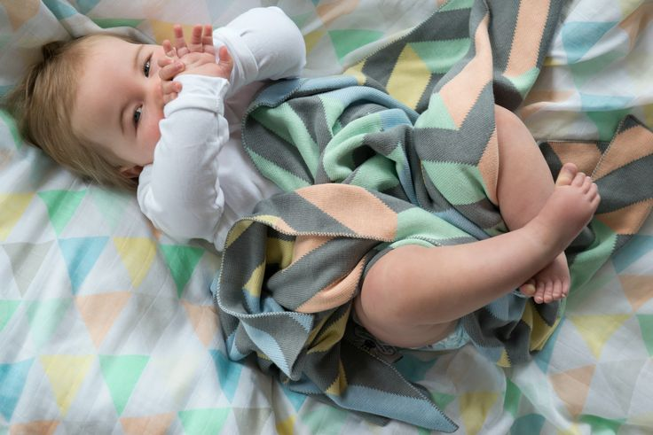The perfect pastels of the Weegoamigo Spectrum Knitted and the Tri Fun muslin!