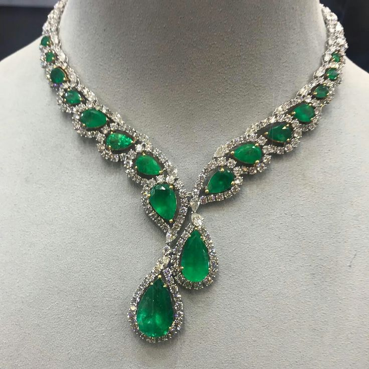 Emerald beauty from our high jewelry collection available at #MiaMoonJewellers in #Bahrain