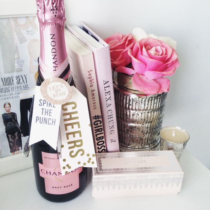 Cute champagne tags that will turn any bubble into the toast of the town! #winetags