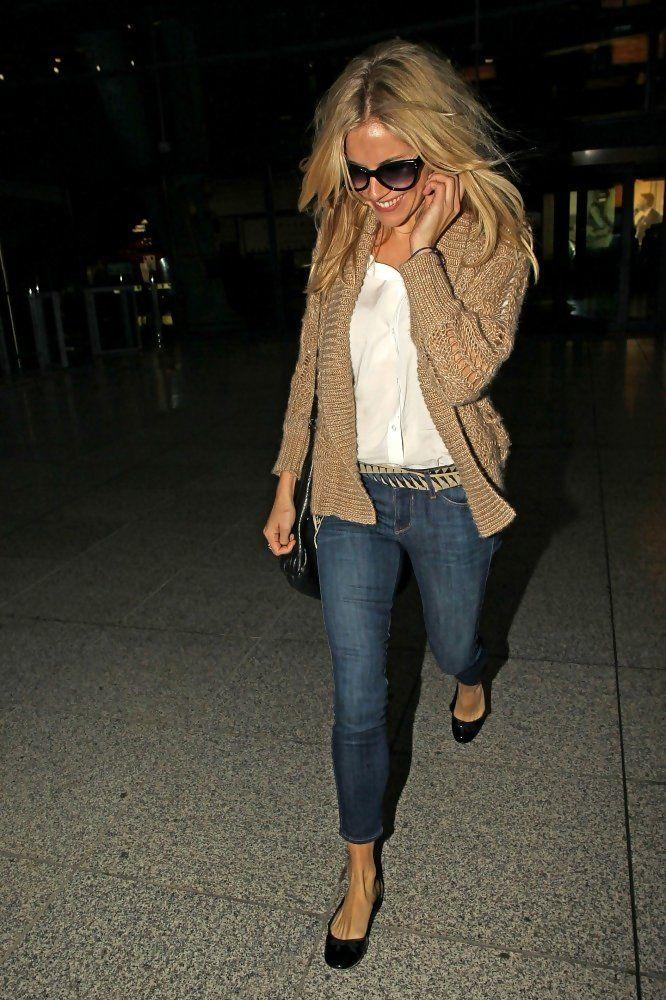 Sienna Miller - Sienna Miller at Heathrow
