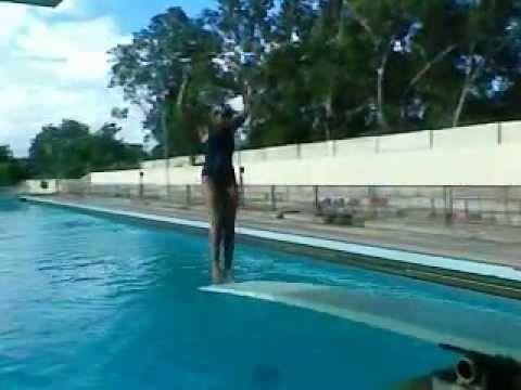 1 meter Inward dive and forward half twist dive - YouTube