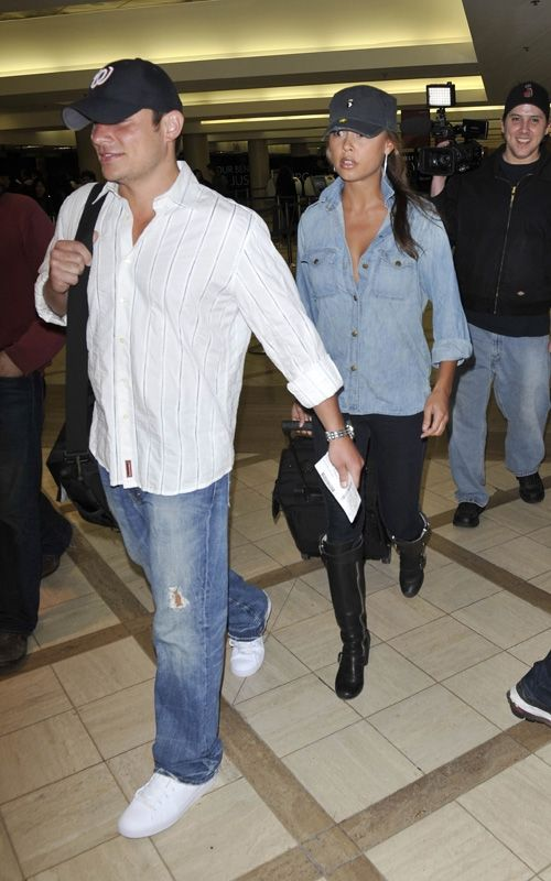 Vanessa Minnillo Lachey wearing Chloe Motorcycle Knee Boots Current/Elliott The Perfect Shirt