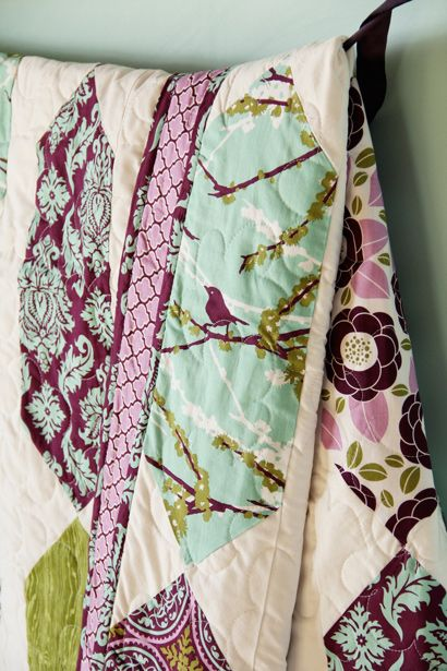 Love the purple and the birdsSewing, Dewberry Fabrics, Joel Dewberry, Quilt Patterns, Colors, Dewberry Pendants, Quilt Kits, Aviary 2 Pendants Quilt, Quilt Fabric