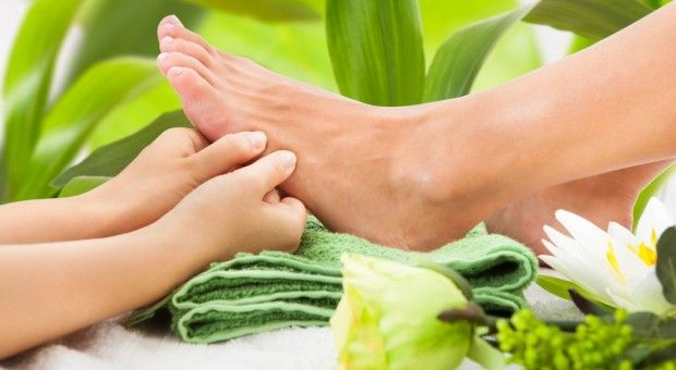 Enjoy the on chair treatment along with your nail service.  Pamper your body with foot, hand and neck massage here at thenailplace in Dubai. Book an appointment here: https://www.thenailplace.net/nail/on-chair-treatments/  #massage #nailcare #beautysalondubai #thenailplace