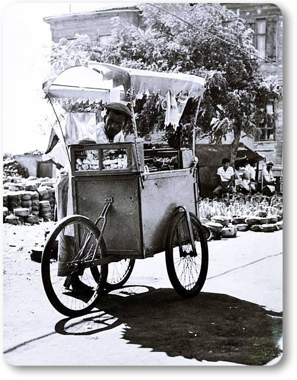 Dondurmacı - 1960 lar pic.twitter.com/84gASTMau0  http://www.armadaistanbulkulturu.com/en/sub/60/mobile-armada-carts www.armadaistanbul.com