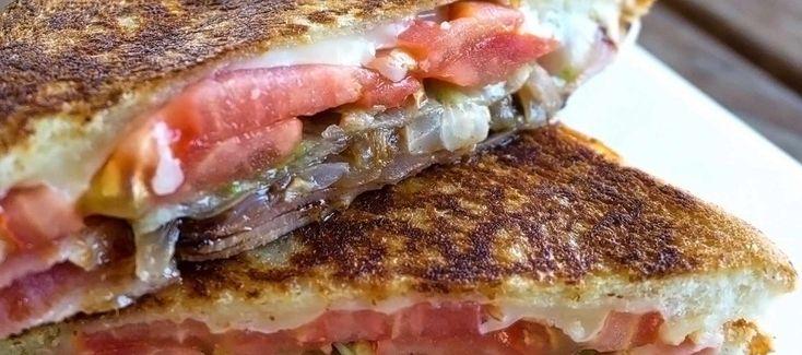 Σάντουιτς στο τηγάνι (της λιγούρας). Ένα σαντουιτσάκι πεντανόστιμο, ό,τι πρέπει για τη λιγούρα...