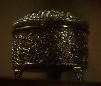 josette's music box replica 3