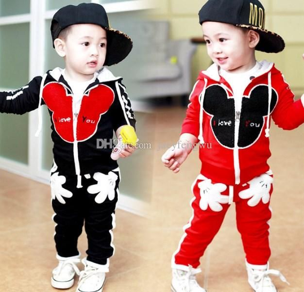 Baby Boys Girls mickey Minnie Clothing Sets Fashion Boutique tracksuit Children sports sets Kids Costumes boy's suit cotton Outfits  http://www.dhgate.com/product/baby-boys-girls-mickey-minnie-clothing-sets/392223377.html