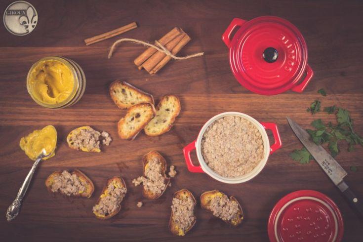 Cretons de porc  Tellement bon lorsqu'on les prépare maison et c'est très simple à faire.  http://monplana.ca/cretons/