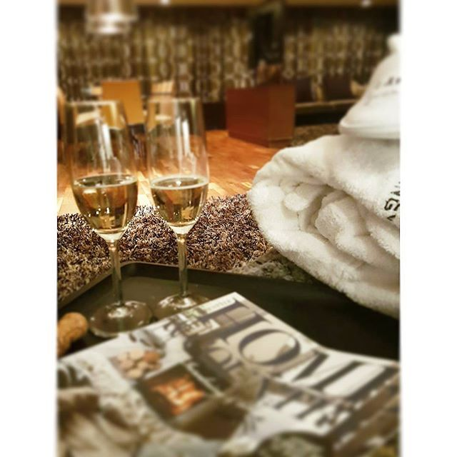#thankgoditslångweekend ❤💄👢 chilling 😎😍 #langvikhotel http://www.langvik.fi/