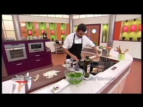 Receta: tortilla de gambas al ajillo - YouTube