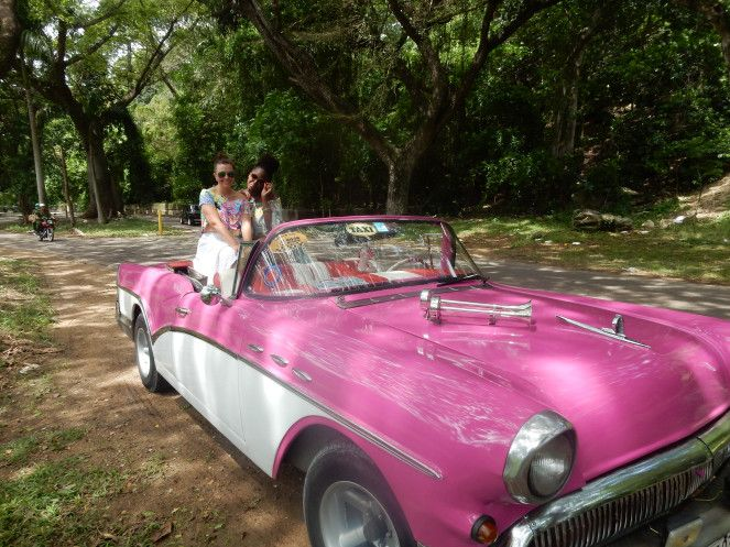 Cuba, Havana, Cuban Style, Cuban Flair, how to dress in cuba, sarah in style, sarah meyer, sarahinstyle.com, windy city bloggers, fashion blogger, style blogger, travel recommendations, travel ideas, cuba travel, travel blogger, travel blog