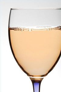 homemade peach wine, I am in heaven  http://howtomakewine.directprosales.com