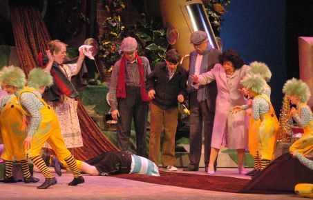 Effects make Grand Rapids Civic Theatre's 'Willy Wonka' special ...