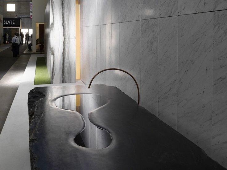 carrelage mural en marbre et vasque design en pierre naturelle