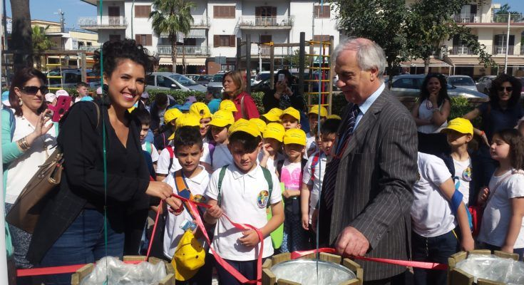 Saviano: il Rotaract club Nola Pomigliano dona cestini raccolta differenziata al Comune   Report Campania