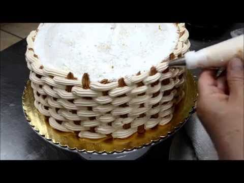 Dort košík s růžemi - jak vyrobit košíkový dort s růžemi - VIDEO Jak se to dělá.cz