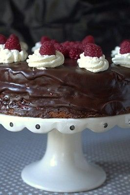 chokladtårta med hallon och ganaché