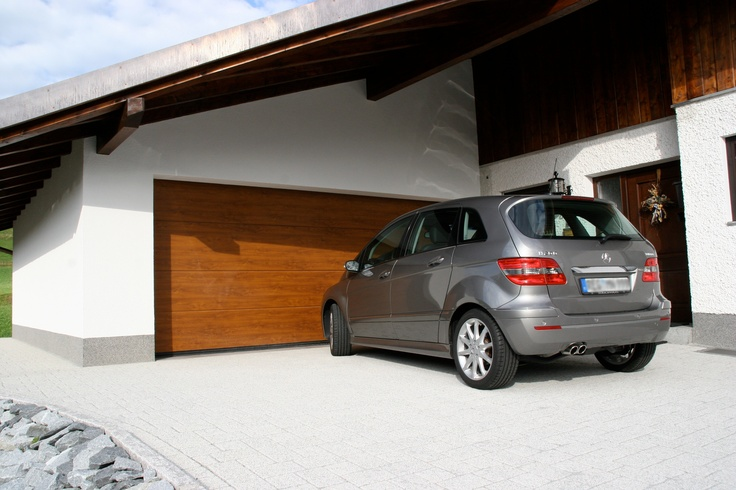 Portone sezionale CUPIS by Breda e Mercedes classe B - CUPIS Garage Door bi Breda & Mercedes  #BredaLoveCars #portoni #sezionali #garage #doors #breda