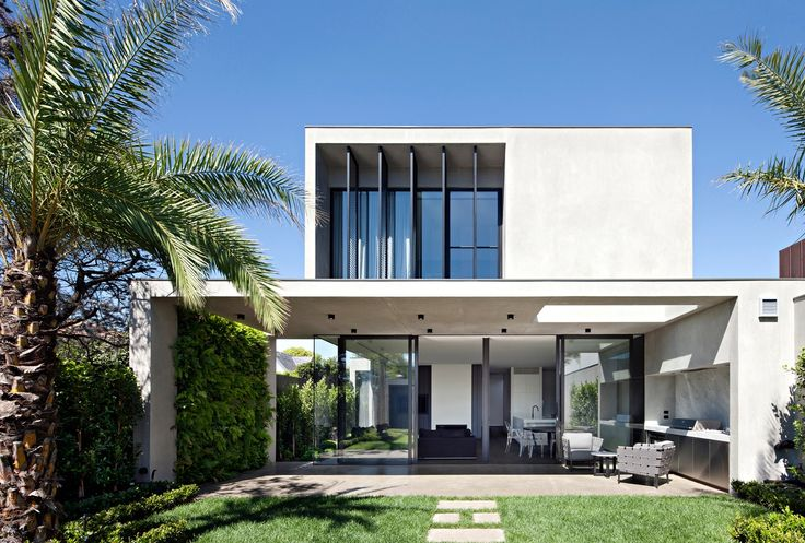 Thirty-nine projects in this category have advanced to the 2017 Houses Awards.