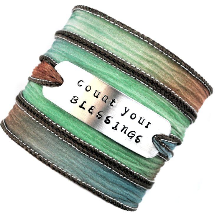 Wikkelarmband crinkle zijde  #73 inspiratie armband handgestempeld Count your blessings door MystiqueSieraden op Etsy