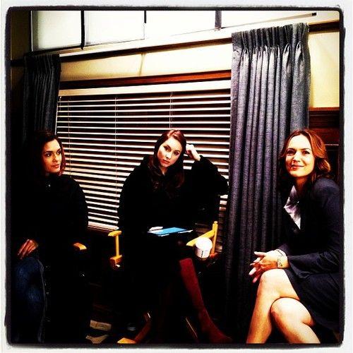 Melissa Hastings & Spencer Hastings & Veronica Hastings • Torrey DeVitto & Troian Bellisario & Lesley Fera