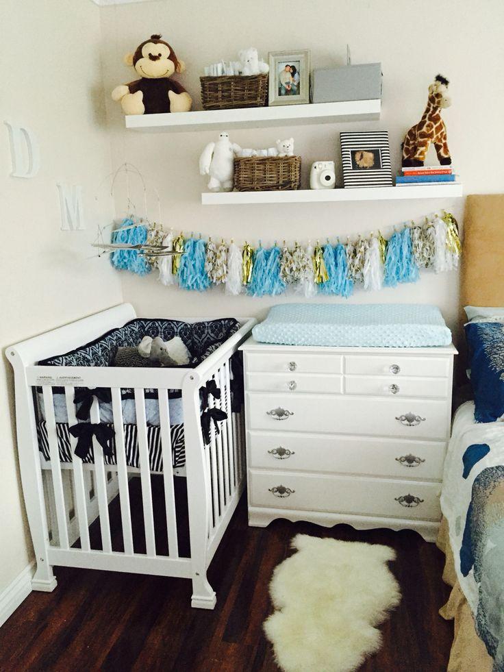 Nice DaVinci Kalani Mini Crib, Refurbished Changing Table (oil Paint, New Knobs),