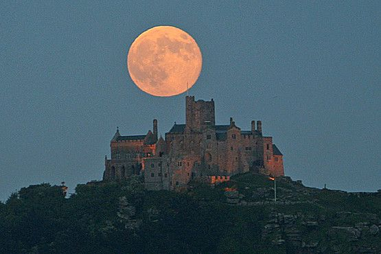 The 'supermoon' above St Michael's Mount. Picture: Sarah Lay