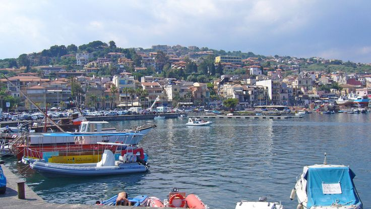 Acireale ist eine kleine Stadt in der Provinz Catania in Sizilien.