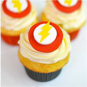 The Flash cupcakes would make the fastest man alive proud. Blow your guests away at your next super hero party, birthday celebration, or Halloween festivity.