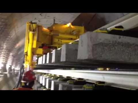 automatic railroad track laying machine