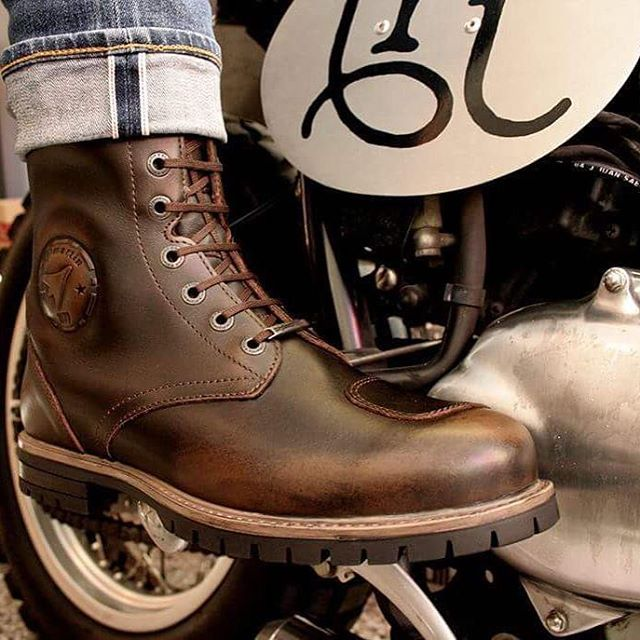 @stylmartin_official Cafè Race ROCKET Boots available in the store and online here: www.therealintellectuals #stylmartin #leather #boots #caferacer #tri #therealintellectuals