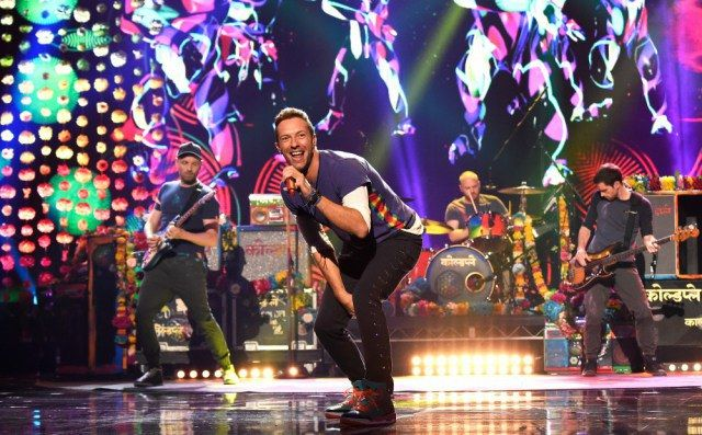 Nuevo video de Coldplay, 'Birds'   Variety Latino   AdriBosch's Magazine