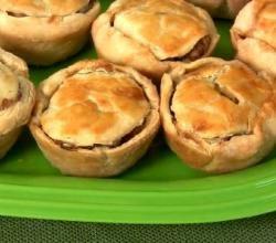 Game of Thrones - Cupcake Tin Pork Pies Recipe Video by jakatak | ifood.tv