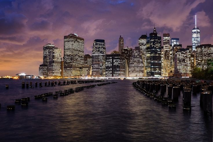 New York, Lower Manhattan with Pylons from Brooklyn Bridge Park - New York, Alsó Manhattan a pillonokkal a Brooklyn híd parkból