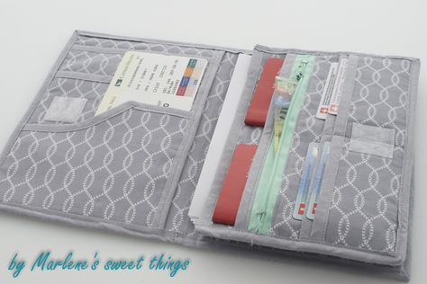 Marlene's sweet things: Travel Wallet