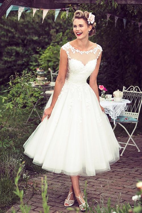 Ball Gown Scoop Tea-length Tulle Wedding Dress #vintage