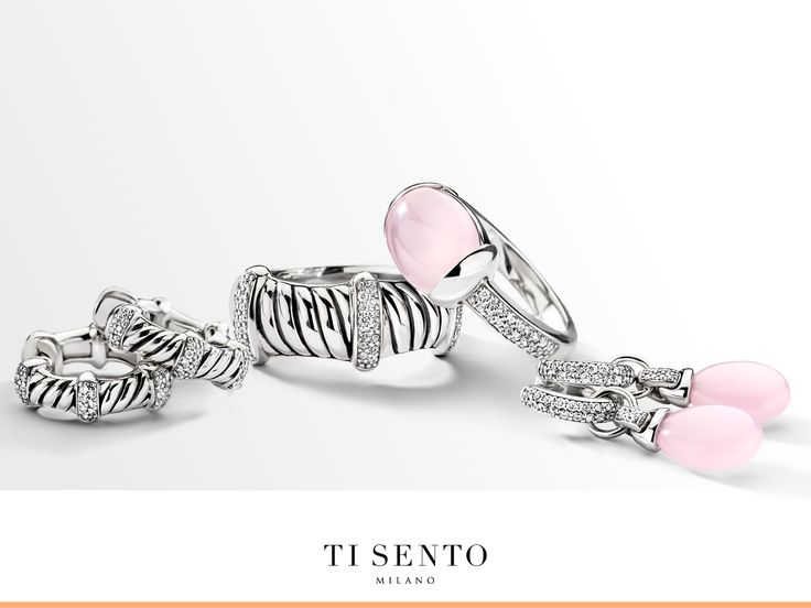 Dressing for the right moment, asks for structure in one's outfits, their wardrobe and especially in the jewellery boxes. This has resulted in an iconic new range of jewellery pieces in the TI SENTO collection called 'divided structures': two styles in one jewellery piece.