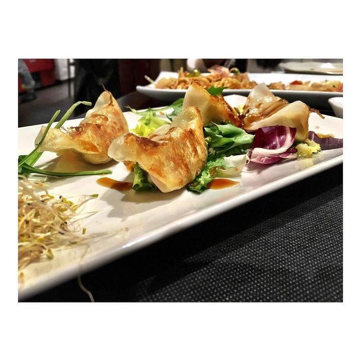 Tora Cocina: Japonesa Servicio: Muy bueno Ambiente: Asiático Mejor para: Cenar Mi recomendación: Noodles y tataki de ternera Precio medio: 15 p/p sin vino Nota: Taberna japonesa con una carta diferente y un ambiente agradable. Importante reservar o ir con tiempo #tora #ruzafa #taberna #japo #restaurantesvalencia #japan #tataki #fusion #style #food #comida #creativo #degustacion #fusion #ñam #delicioso #gourmet #delicious #foodporn #foodie #instafood #gastronomy #instafood #restaurante…