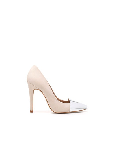 COURT SHOE WITH POINTED METAL TOE - Shoes - Woman - New collection - ZARA United States