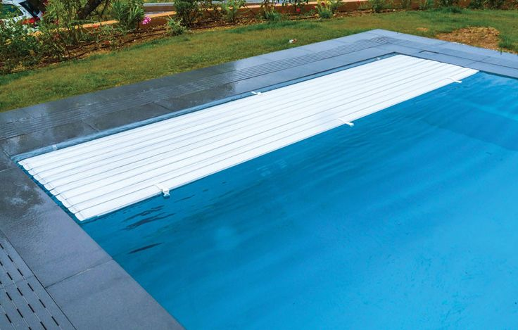 1000 id es sur le th me piscine coque polyester sur for Piscine coque a debordement