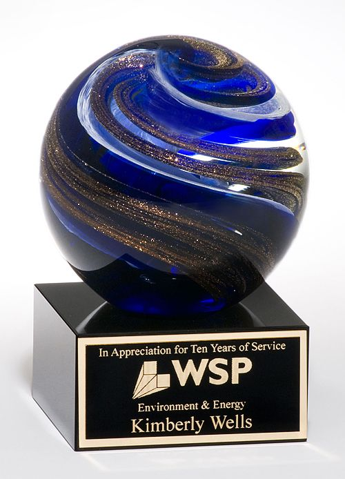 trophyworldllc.com create best quality of cheap Glass Awards along with the best service. Make to order trophy maker in Aberdeen area. If you need any assistance you may email us or call us.