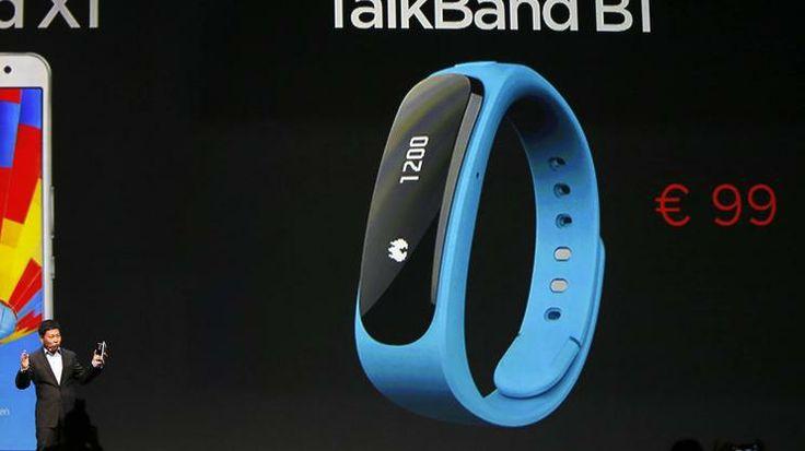 TalkBand B1 Der chinesische Konzern stellte eine andere ungewöhnliche Kombination vor: Ein Headset, das sich zu einem Fitness-Armband umfunk...
