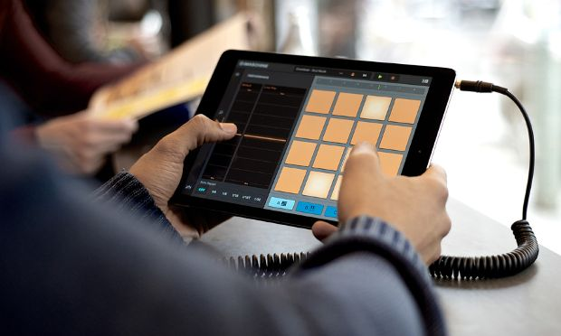 Gearjunkies.com: Native Instruments iMASCHINE update optimized for iPad