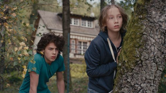 Movie Review: Michel Gondry takes it easy with the laid-back Microbe And Gasoline