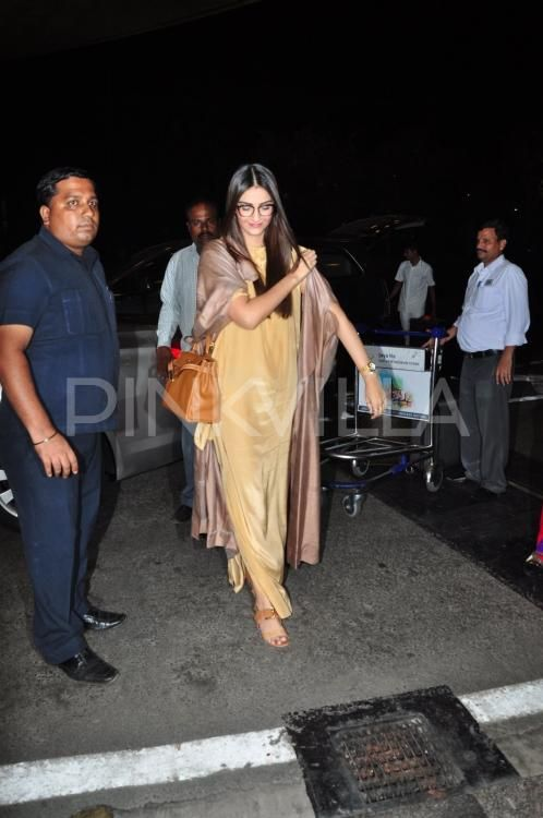 Sonam Flaunts her Chic Look at the Airport | PINKVILLA