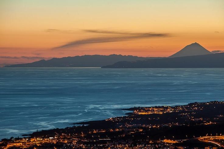 Foto tirada da Serra da Ribeirinha, com Santa Luzia, São Mateus em primeiro plano, e Ilhas de São Jorge e Pico Ao fundo. Açores    By Luis Godinho